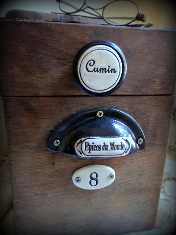 accessoires-de-maison-poignee-coquille-inscription-en-13869945-photo-3366-05fe5fe8-670f4_570x0