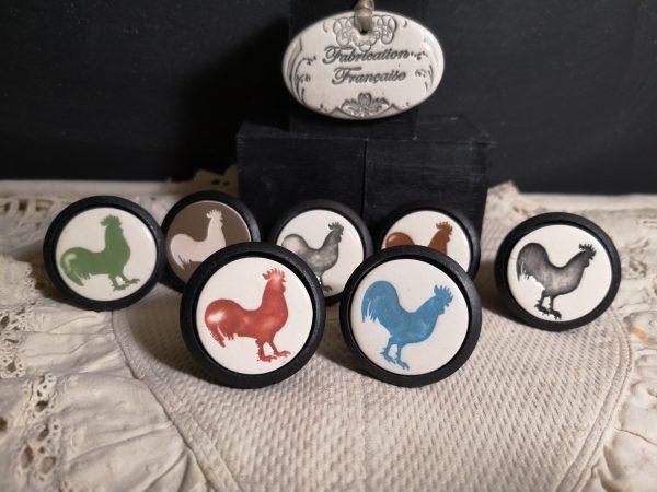 Bouton-poignee-meuble-button-handle-tiroir-porte-artisanal-original-pub-cuisine-animal-coq-presentation-couleur-bois-noir
