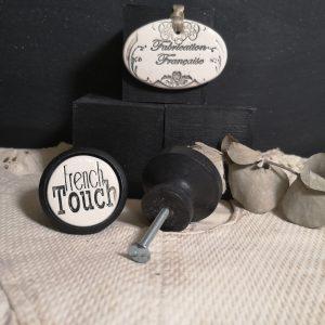 Bouton poignée meuble button handle tiroir porte artisanal original pub French Touch couleur bois noir