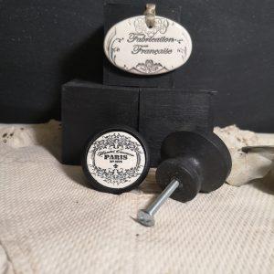 Bouton poignée meuble button handle tiroir porte artisanal original pub Paris couleur bois noir