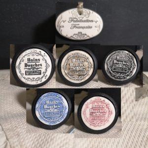 bouton-poignee-meuble-button-handle-tiroir-porte-artisanal-original-pub-cuisine-inscription-chambre-salle-de-bain-bains-douches-ceramique-presentation-bois-noir