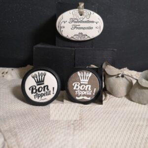 Bouton poignée meuble button handle tiroir porte artisanal original pub Bon Appétit couleur bois noir