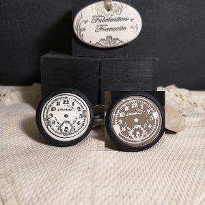 Bouton poignée meuble button handle tiroir porte artisanal original Horloge couleur bois noir