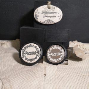 Bouton poignée meuble button handle tiroir porte artisanal original pub Macarons couleur bois noir