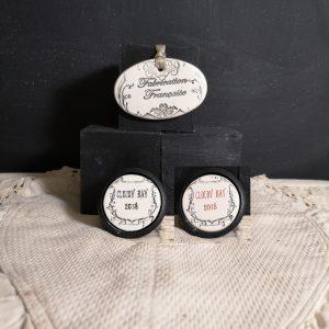 Bouton poignée meuble de tiroir ou porte artisanal original pour cuisine salle de bain chambre bureau ou autre Vintage Vin du MONDE en céramique présentation bois noir