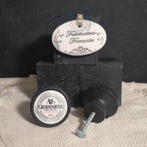 Bouton poignée meuble de tiroir ou porte artisanal original pour cuisine salle de bain chambre bureau ou autre Guinness en céramique bois noir