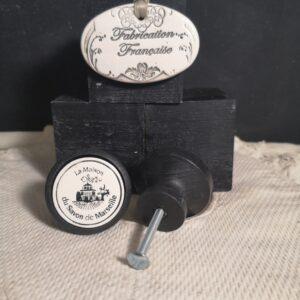 Bouton poignée meuble de tiroir ou porte artisanal original pour cuisine salle de bain chambre bureau ou autre La maison du Savon Marseille en céramique bois noir