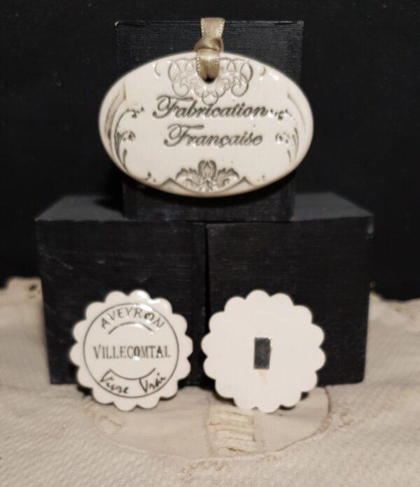 Magnets aimantés cadeau publicitaire personnalisable noël entreprise mariage baptême céramique Fleur noir plus beaux villages de France et autres Aveyron vivre vrai VILLECOMTAL