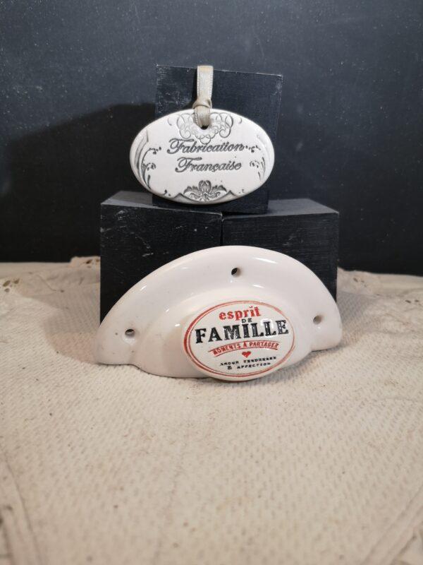 Poignée coquille meuble de tiroir ou porte artisanal original pour cuisine salle de bain chambre bureau ou autre Esprit de famille en céramique poignée crème ovale bicouleur