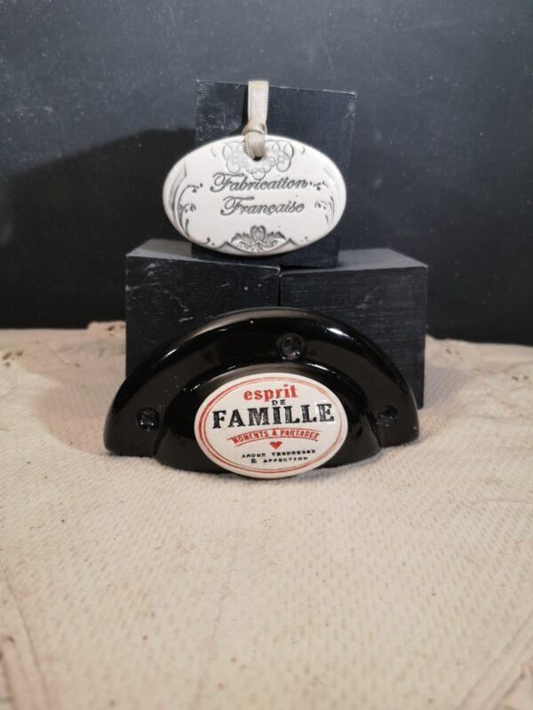 Poignée coquille meuble de tiroir ou porte artisanal original pour cuisine salle de bain chambre bureau ou autre Esprit de famille en céramique poignée noire ovale bicouleur