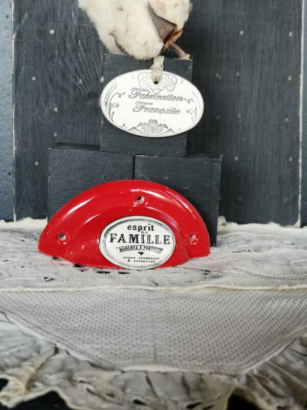 Poignée coquille meuble de tiroir ou porte artisanal original pour cuisine salle de bain chambre bureau ou autre Esprit de Famille en céramique poignée rouge ovale crème