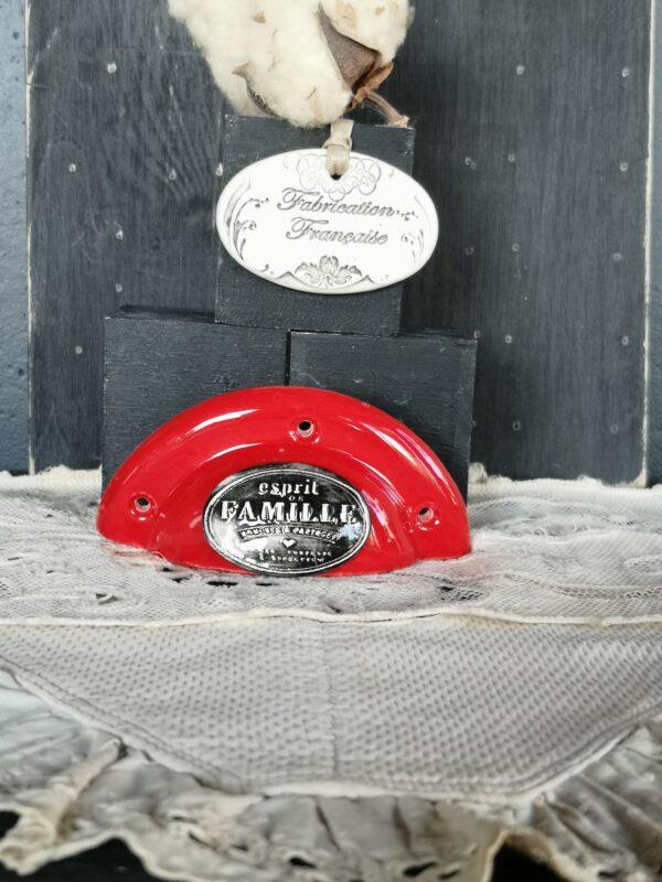 Poignée coquille meuble de tiroir ou porte artisanal original pour cuisine salle de bain chambre bureau ou autre Esprit de Famille en céramique poignée rouge ovale noir